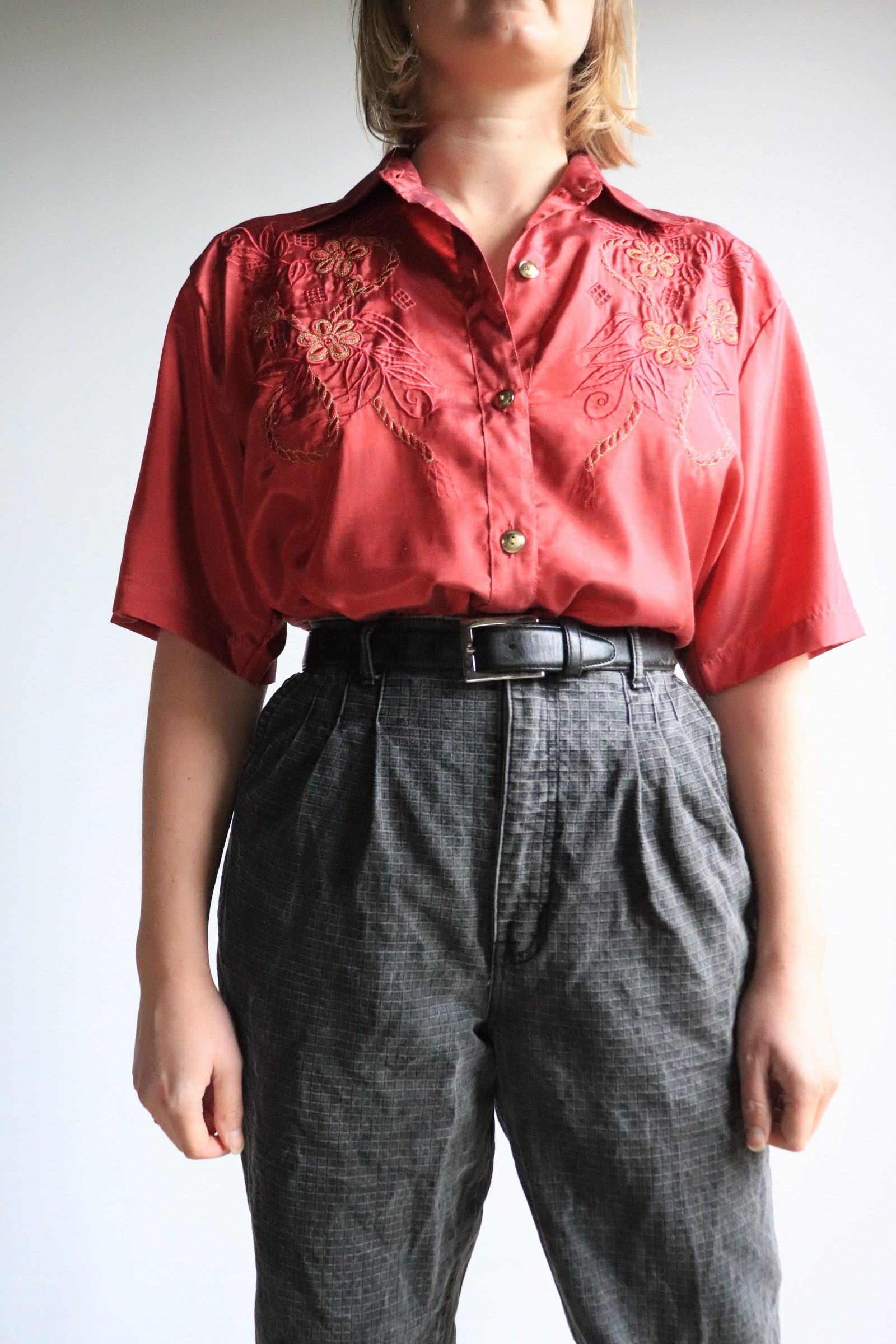 80s short sleeved embroidered shirt